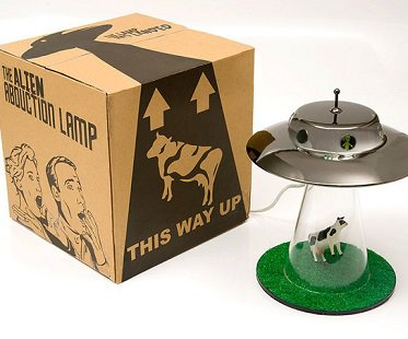 alien-abduction-lamp-box