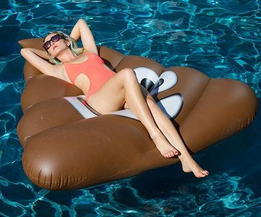 giant-inflatable-poop-emoji