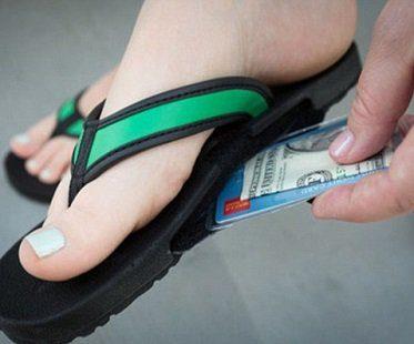 hidden-pocket-flip-flops