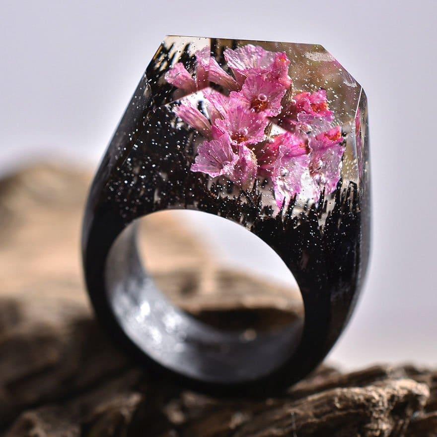 black-pink-flowers