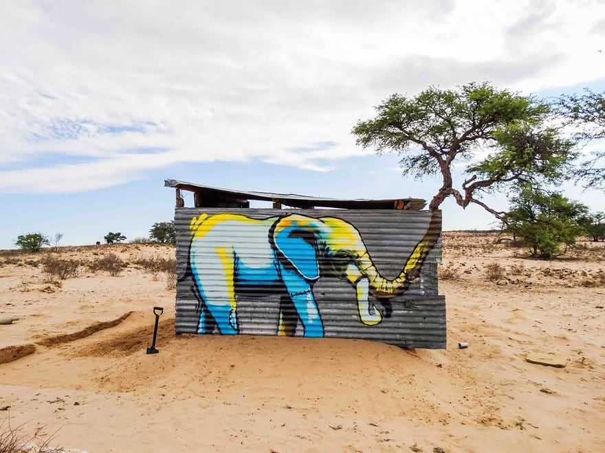 blue-yellow-elephant