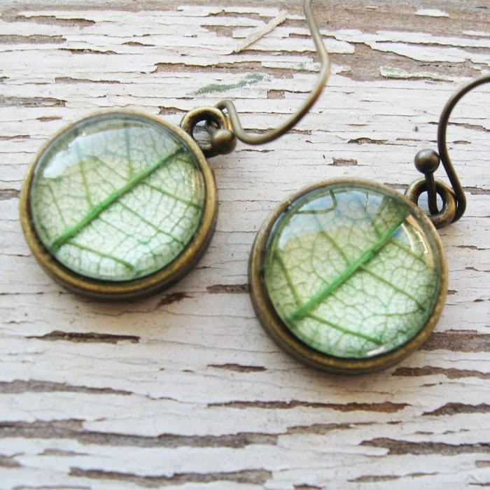 circle-light-green-earrings