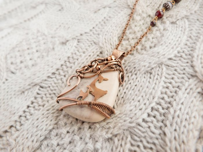 forest-inspired-jewelry-deer-and-baby-pendant
