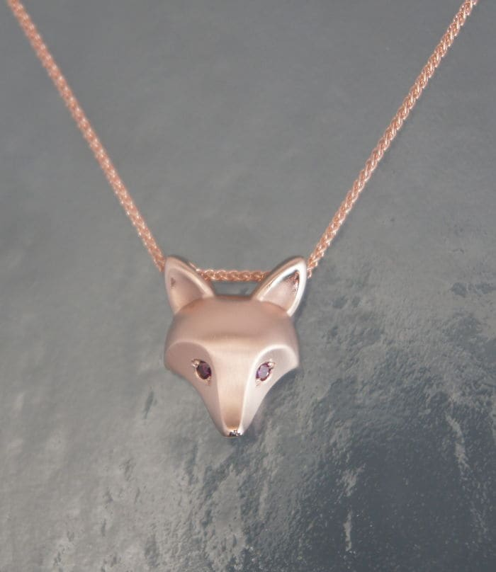 16 Images Showcasing Gorgeous Animal Jewelry You Will Want