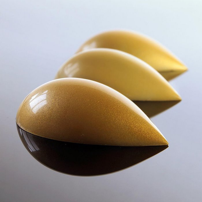 gold-brown-pods