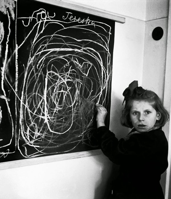historical-photos-girl-concentration-camp-draw-home-1948