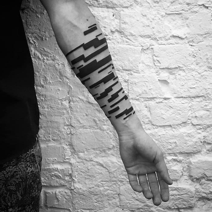 minimalist-tattoos-stanislaw-wilczynski-zig-zag