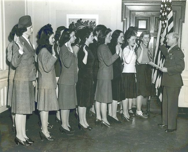 photos-from-the-past-first-female-marines-new-york-1943