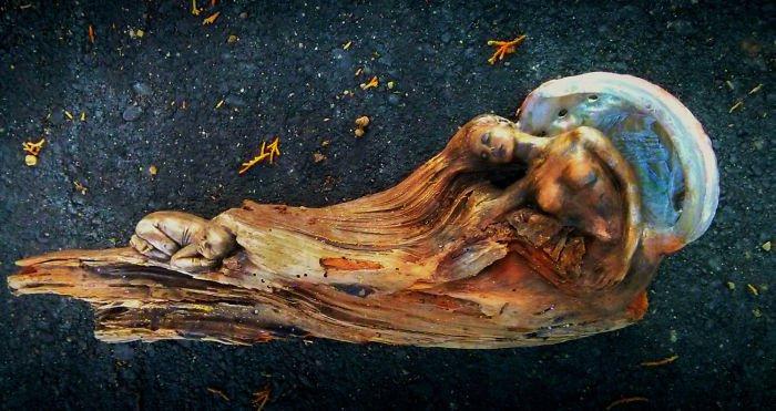 sculptures-debra-bernier-woman-baby