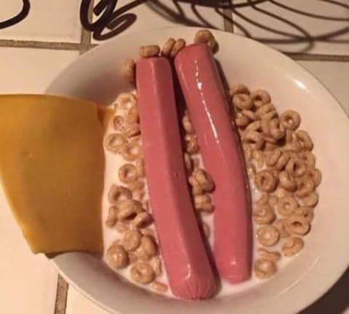 strange-things-breakfast-cereal-hotdog