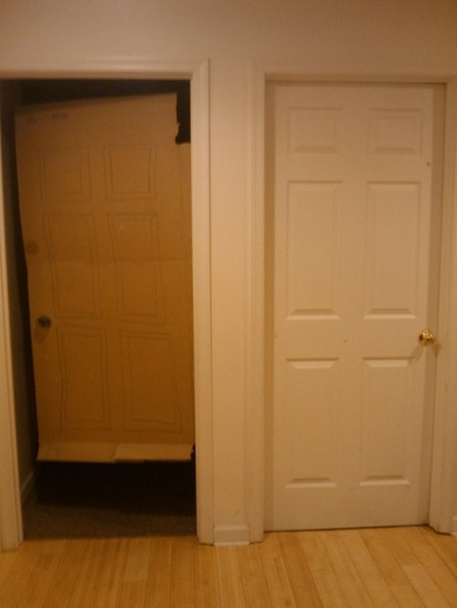 strange-things-cardboard-door