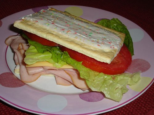 strange-things-poptart-sandwich