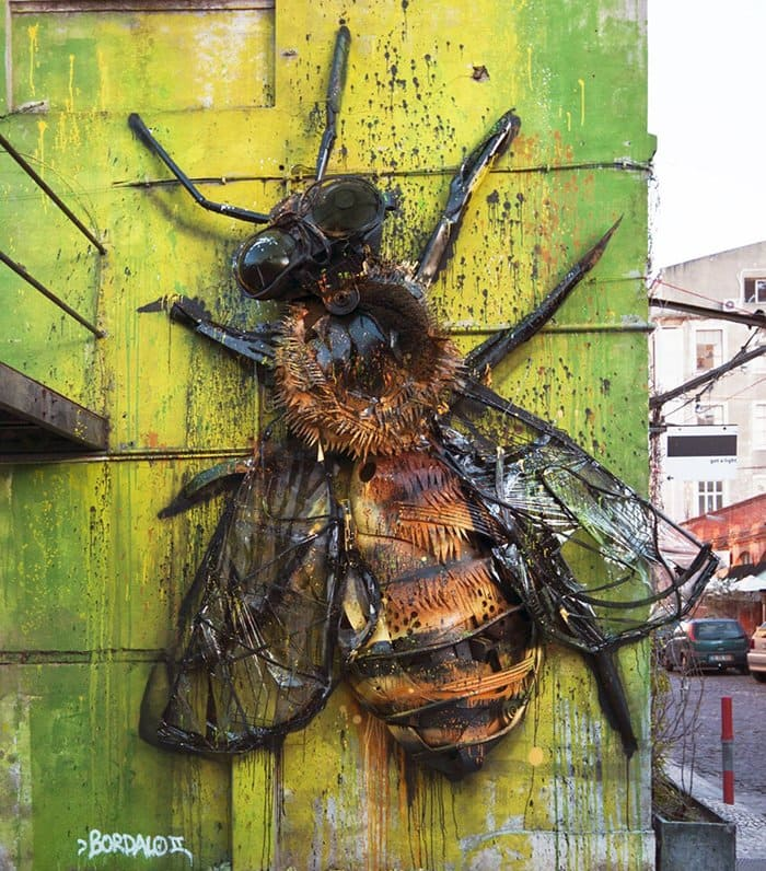 trash-animal-sculpture-artur-bordalo-wings-bee