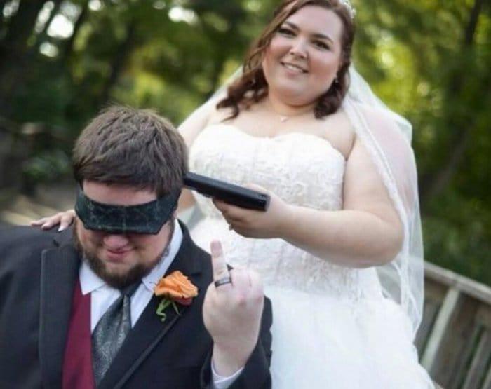 13 Of The Most Cringeworthy Wedding Photos Ever