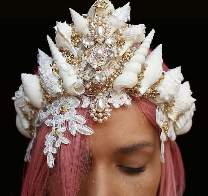 white-lace-crown