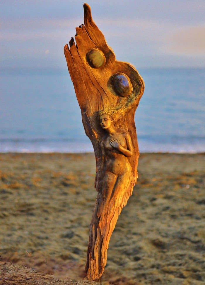 woman-on-wood