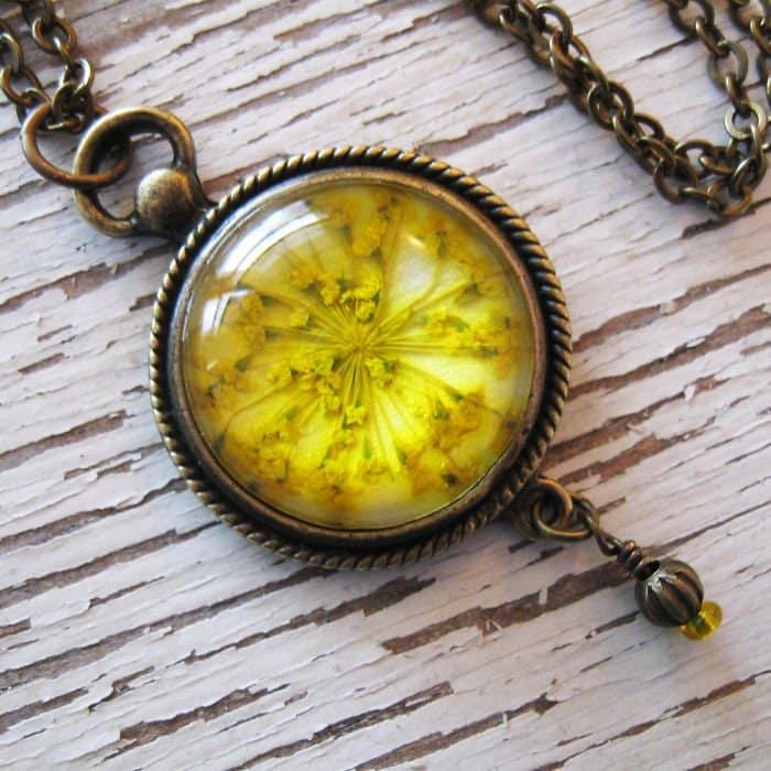 yellow-circle-yellow-flowers