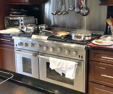 Large Gas Stove And Double Oven