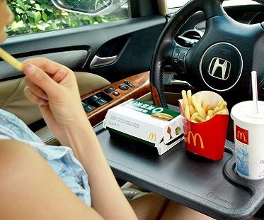 steering-wheel-food-tray