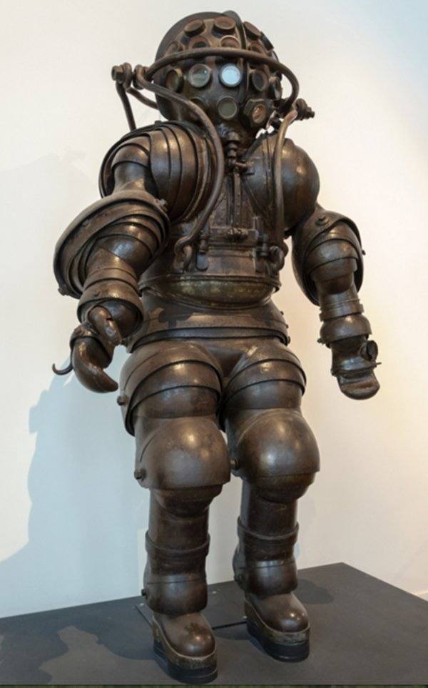 artifacts-diving-suit-1882