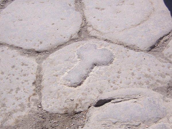 artifacts-road-sign-brothel-pompeii-79-ad