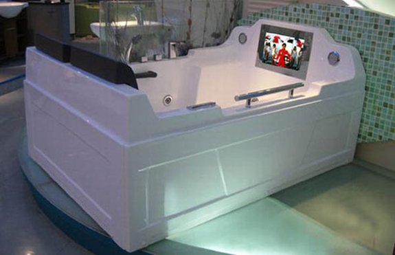 coolest-baths-ever-double-tv