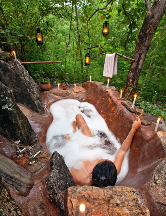 coolest-baths-ever-forest