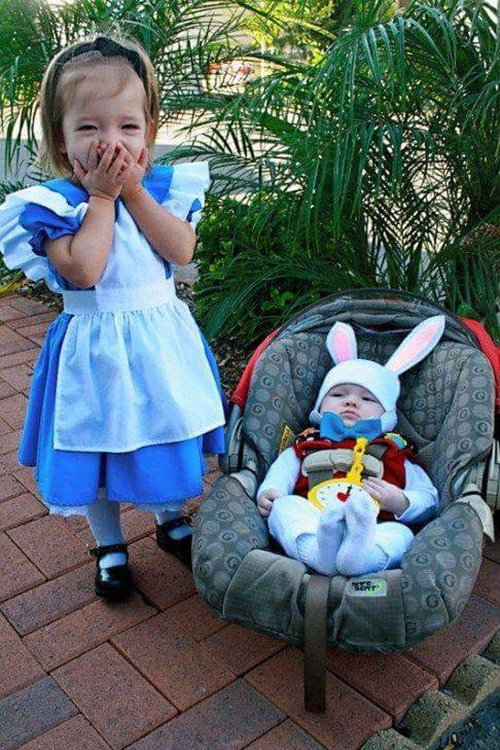 cute-halloween-costumes-white-rabbit-alice