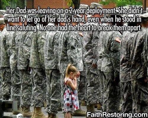 feel-good-photos-holding-dads-hand-deployed