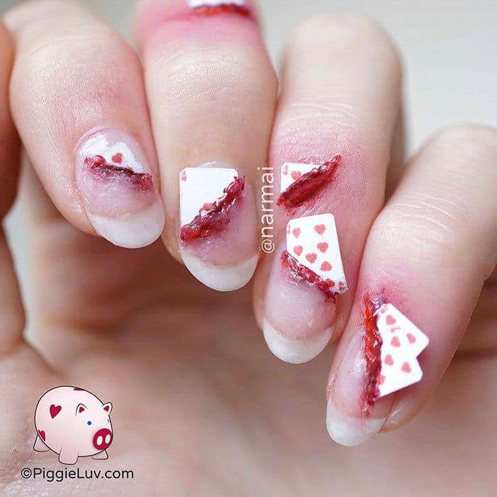 halloween-creepy-nail-art-playing-cards-bloody