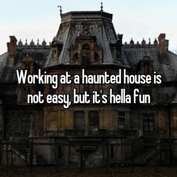 haunted-house-workers-fun-job