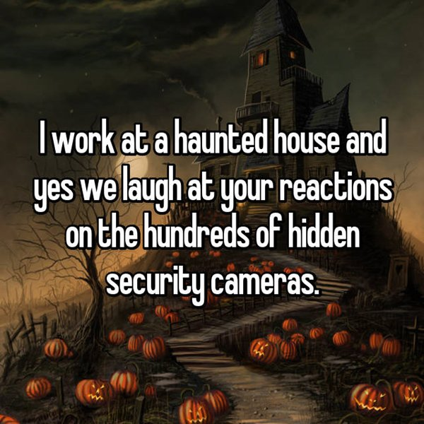 haunted-house-workers-laugh-hidden-cameras