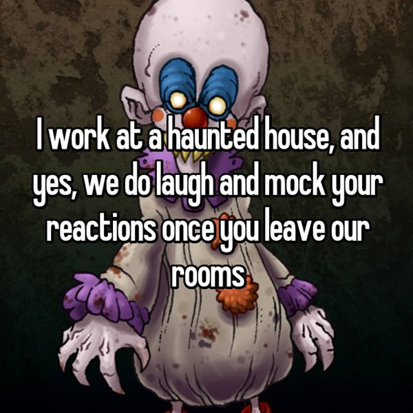 haunted-house-workers-mock-reactions-perks-of-the-job