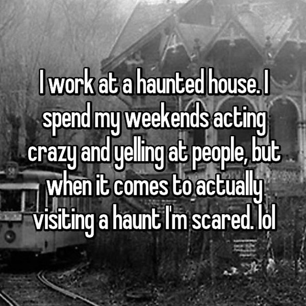 haunted-house-workers-still-get-scared