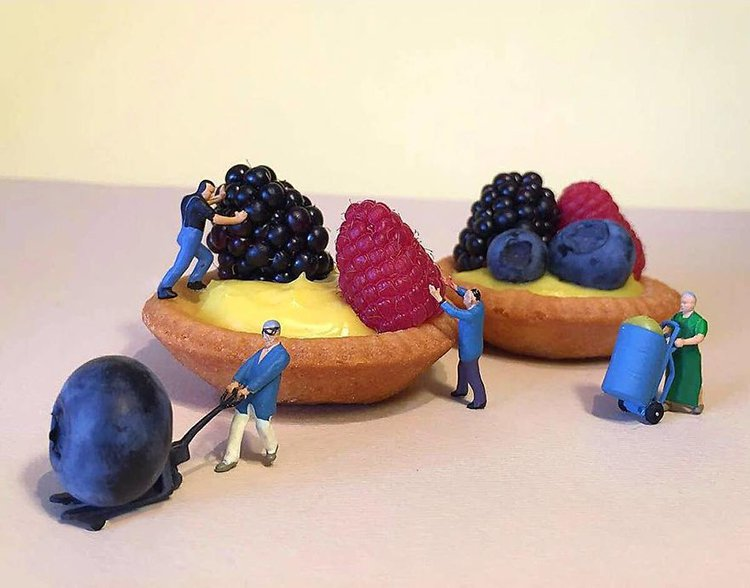 adding-fruit-mini-world-dessert