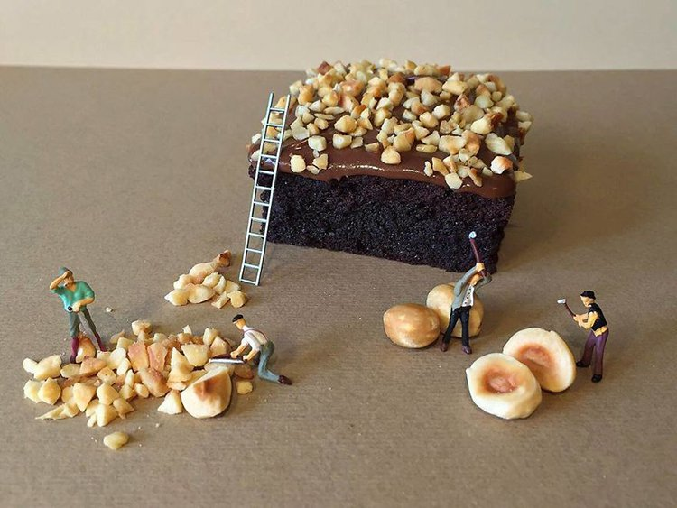 adding-nuts-mini-world-dessert