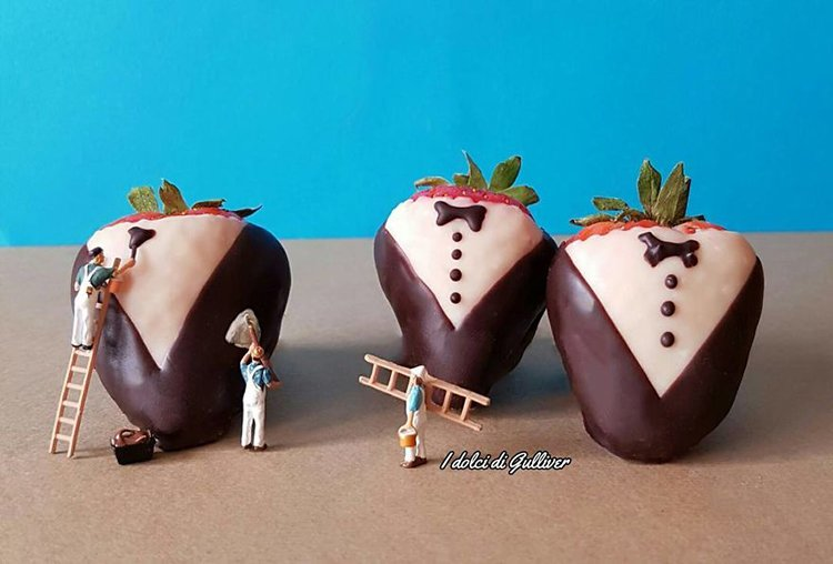 chocolate-covered-strawberries-mini-world-dessert