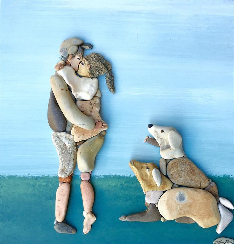 couple-and-dogs-stone-art