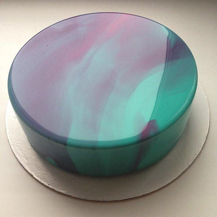 cyan-and-purple-gradient-mirror-cake