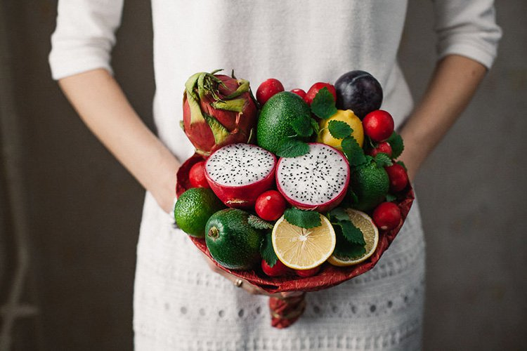 dragon-fruits-avocados-radishes-and-lemons-bouquet