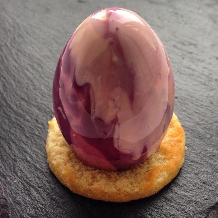 egg-mirror-glazed-marble-cake