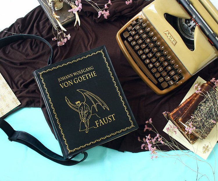 faust-book-themed-bag