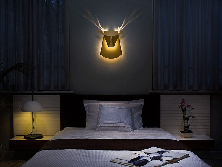 gold-stag-wall-light