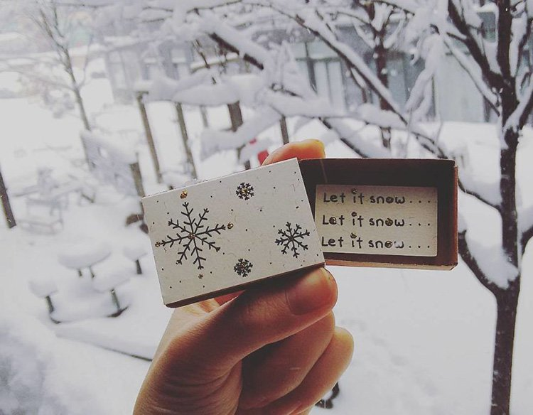 let-is-snow-matchbox-greeting-card