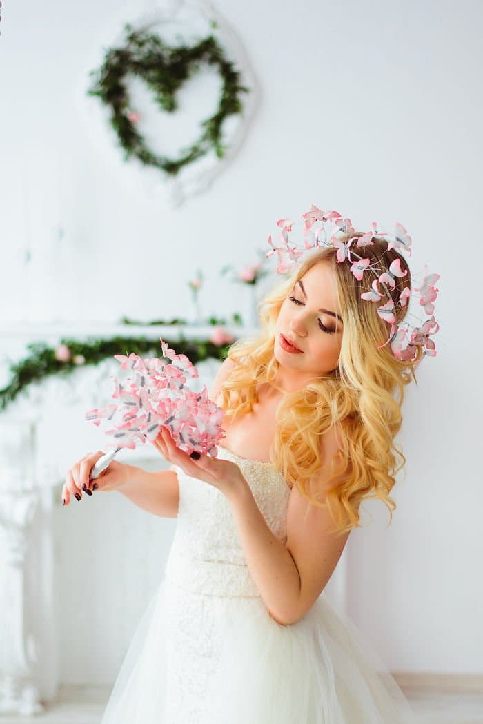 light-pink-butterfly-crown-and-bouquet