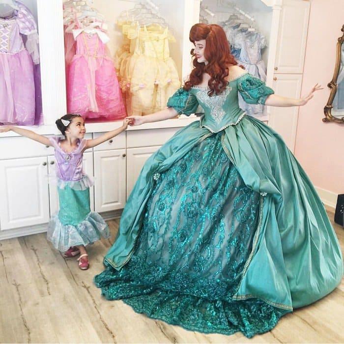 matching-dresses-nephi-garcia