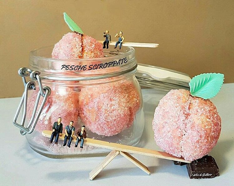 taking-a-break-peach-sweets-mini-world-desserts