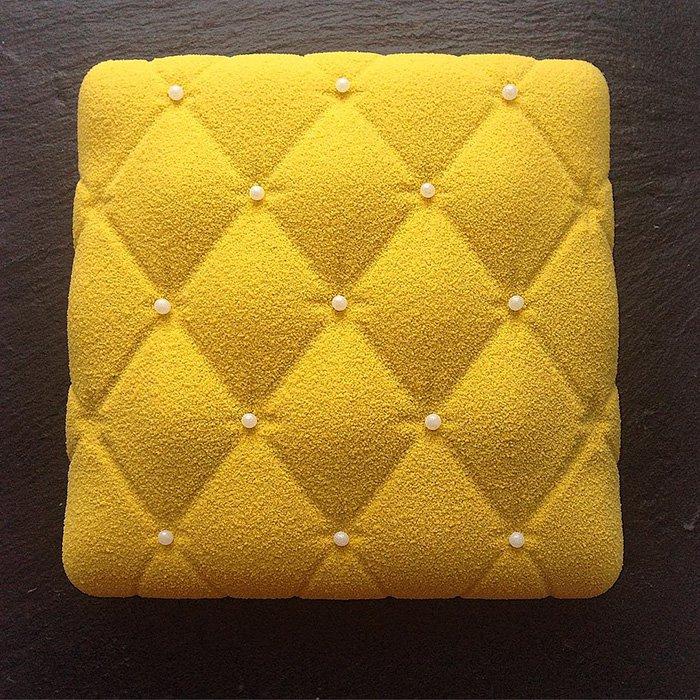 yellow-cake-white-balls