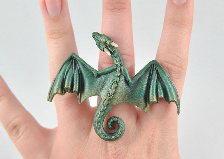 green-dragon-ring-bottom-of-hand