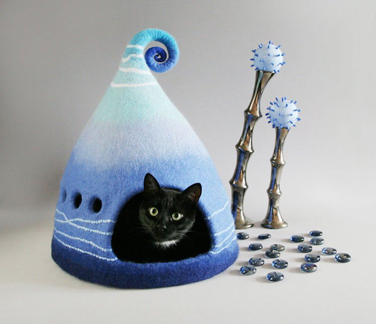 my-felted-world-blue-cat-cave
